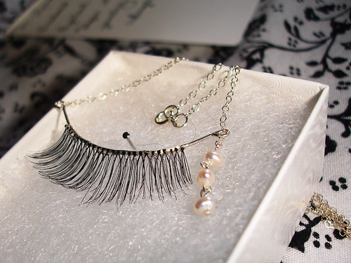 Eyelash necklace with pearl tears