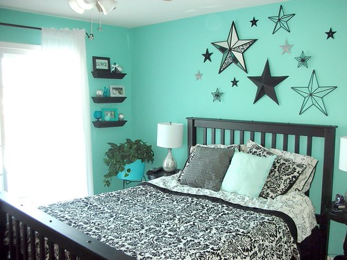 My bedroom is finally done!  Yea!