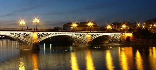 Puente de Isabel II visto da Triana