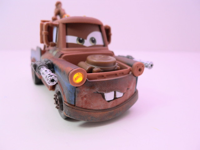 disney cars 2 lights and sounds spy mater (3)