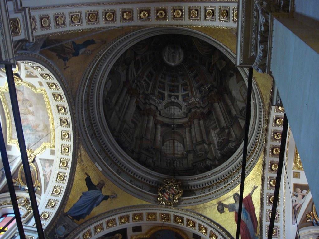 Catedral de Victoria (detalle efecto óptico de la cúpula)