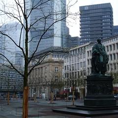 D-60388 Frankfurt_Herr von