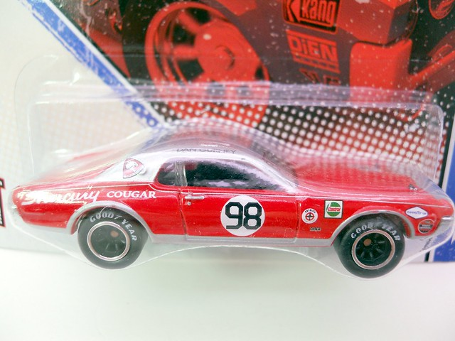 hot wheels vintage racing dan gurney's '68 mercury cougar  (2)