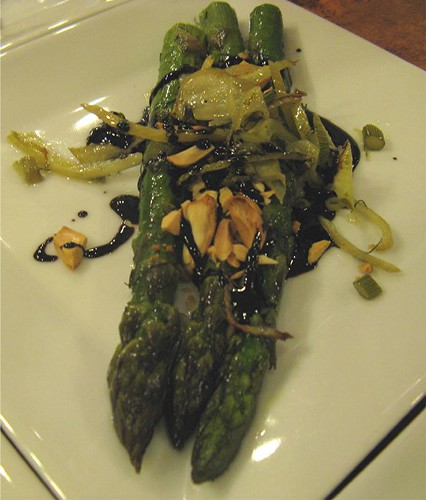 asparagus with fennel and almonds
