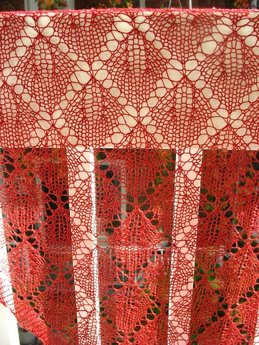 Cherry Leaf Lace shawl by amazing_podgirl.