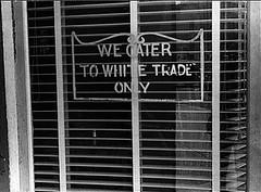 18whiteOnlySignOnRestaurantAug1938