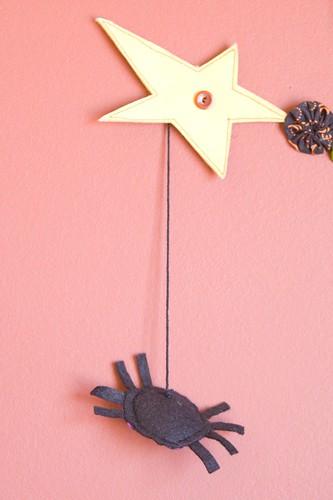Halloween Garland - Spider Detail