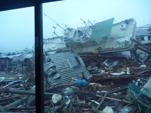 気仙沼で震災復興ボランティア Kesennuma, Miyagi pref. Deeply damaged coastal area by the Tsunami of Japan quake