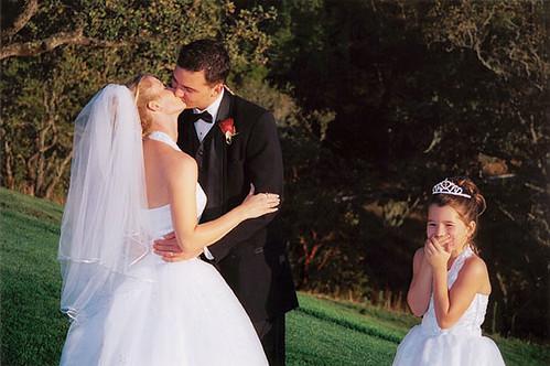Funny Wedding Photo by weddingssc12.