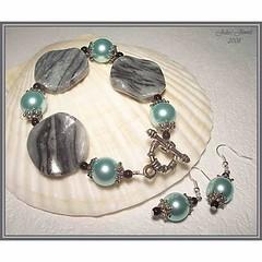 JJs - Zodiac Series - GEMINI - Black and White Agate and Glass Pearls Bracelet and Earring Set
