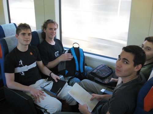 Estudiantes en el tren a Rabanales.