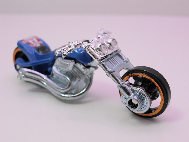 hot wheels easter eggsclusives blast lane (2)