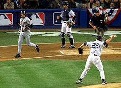 Clemens throwing the bat at Piazza 2000 World Series