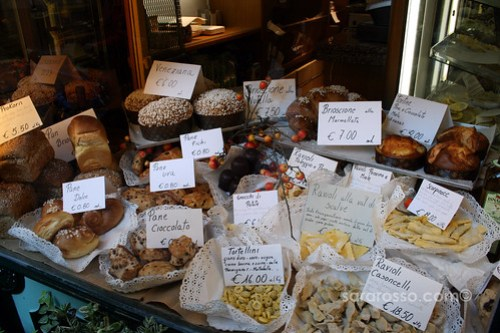Fresh Pasta & Pastries in Bergamo Alta, Italy