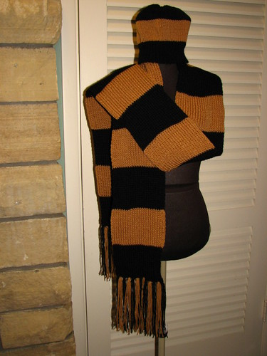Black and Tan Scarf & Hat set