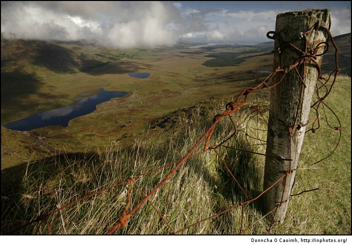 Rusty old fence at the Conor Pass
