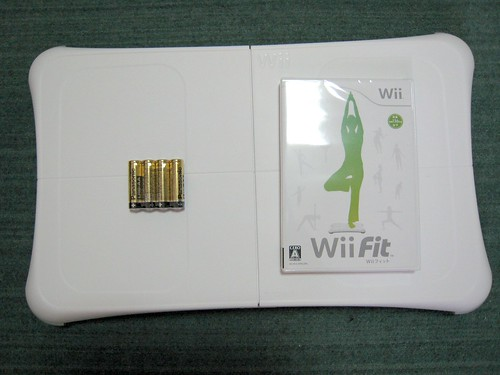 Wii Fit平衡板、電池、光碟一家人
