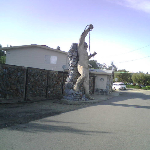 Auburn weird statues #3