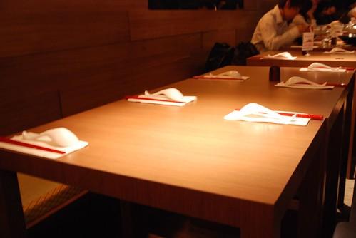 赤鬼拉麵-餐桌擺�
