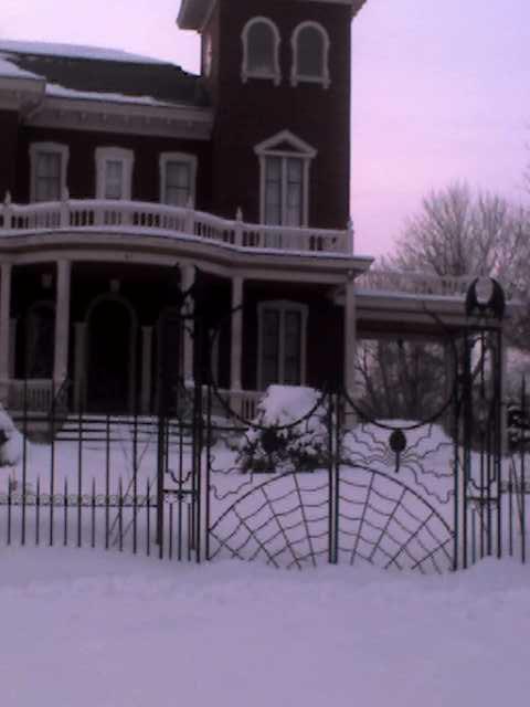 Stephen King's Creepy Yet Slightly Cheesy Gate
