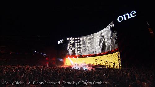 U2 3D-22