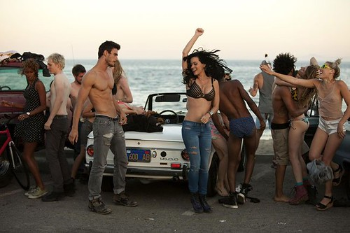 teenage_dream_vid_shoot_beach