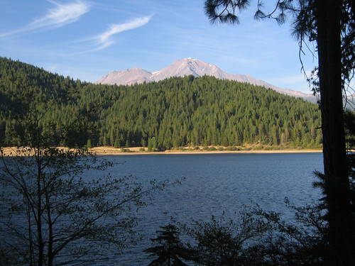 Day 02 - Siskiyou Lake & Mt Shasta