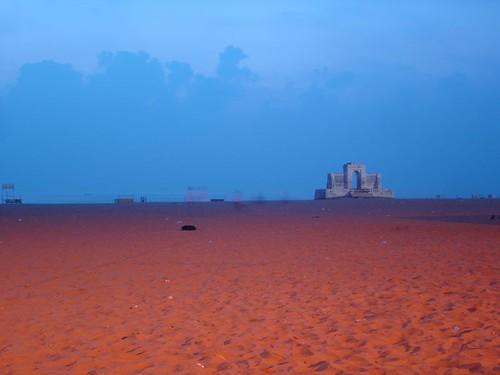 schmidt memorial at besant nagar at dawn