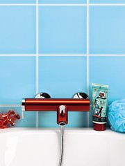 Coloric buthtub mixer red