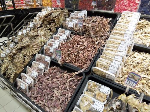 Salah satu produk produk lokal yang di jual Carrefour