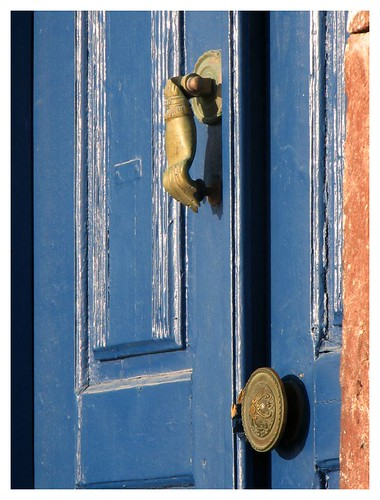 Knock knock knock - On the door of a Spanish architect's house by you.