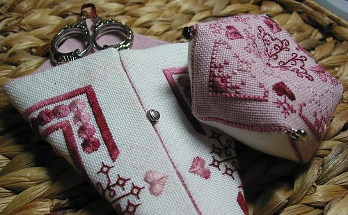 Scissor case & Biscornu set