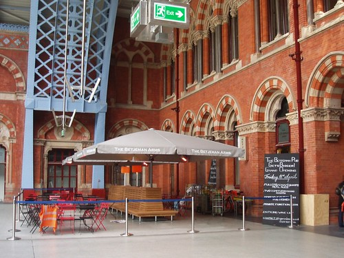 The Betjeman Arms (St Pancras International Station N1)