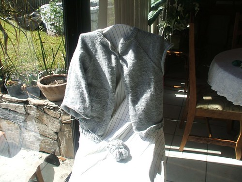 sweater gris