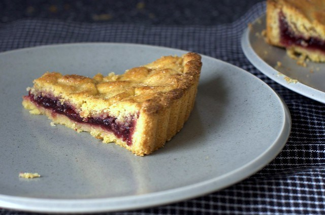 easy jam tart wedge