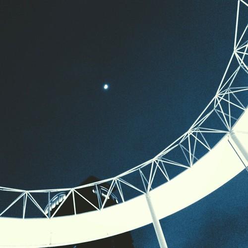 おぼろ月夜。 みなさん、今日も一日、お疲れ様でした。 #moon