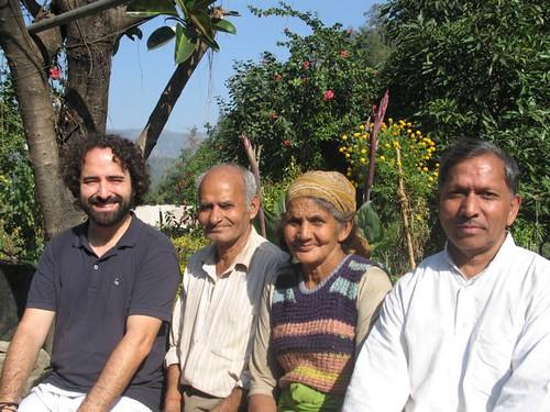 Familia encantadora de Patna Talla