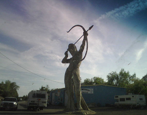 Auburn weird statues #1