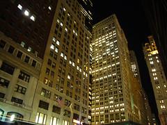 financiero de noche