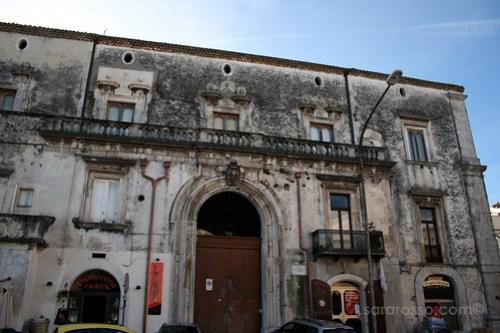 A beautiful old building in Ischitella