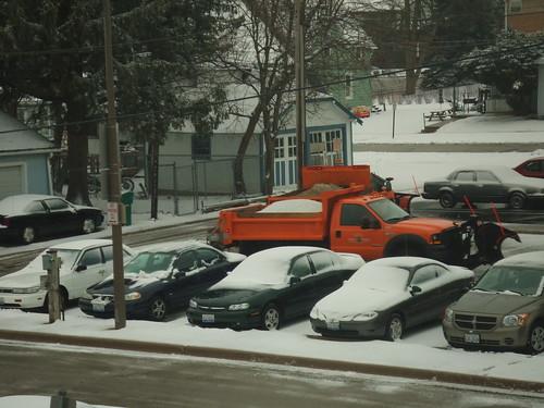 Zoom! Orange Snow Truck