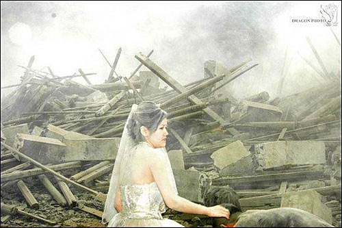 Bride in China just after earthquake