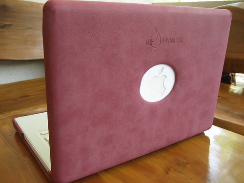 macbook with marble pink in uniea