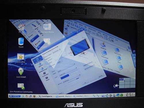 KDE 3 - Mandriva One 2008 on Asus EeePC - Metisse