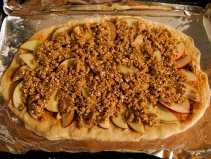 apple crumble pizza