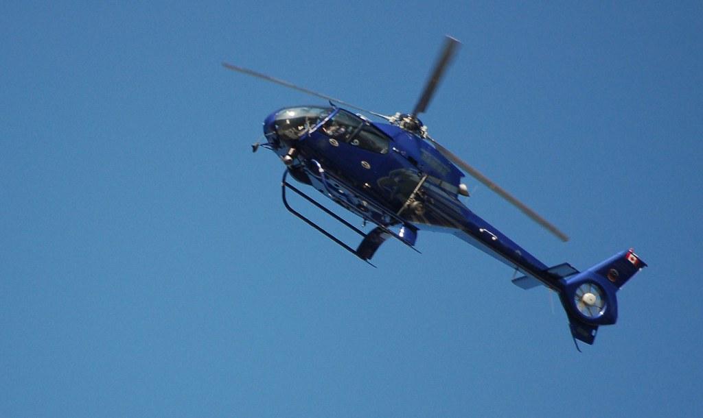 Hubschrauber ueber unserem Gebaeude