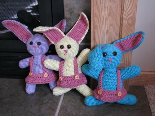 ADORABLE bunnies!!  :D