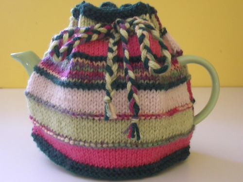 * Mothers Day tea cozy!!  :)