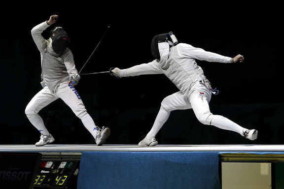 Luperi vs. Meinhardt at the Junior Team Foil Gold Medal Bout S.Timacheff/FencingPhotos.com