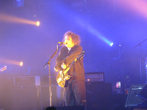 The Cure (Wembley Arena, London, 20 March 2008) - 16